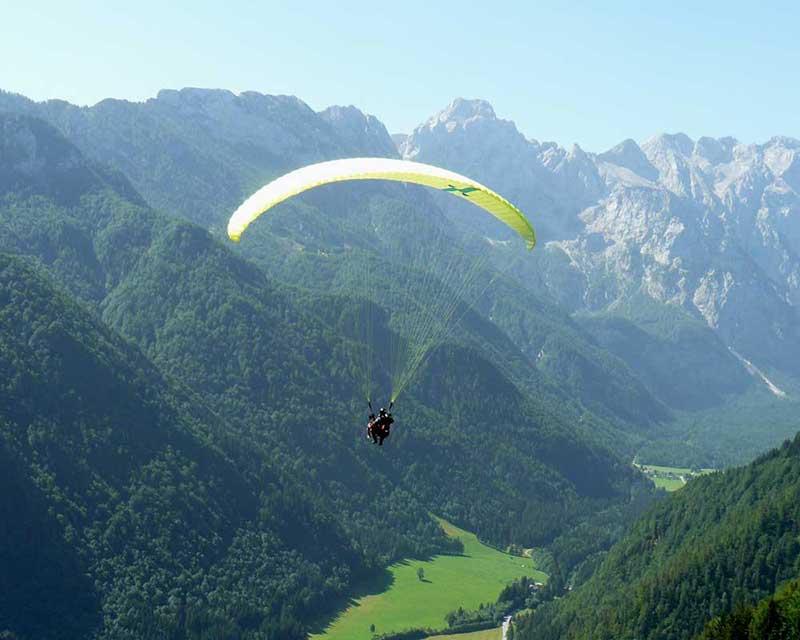 Paragliding-logarska-dolina-valley-kamp-camping-menina-funpark